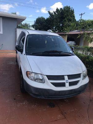 Mini van caraban 2005 bad engine for Sale in Miami, FL