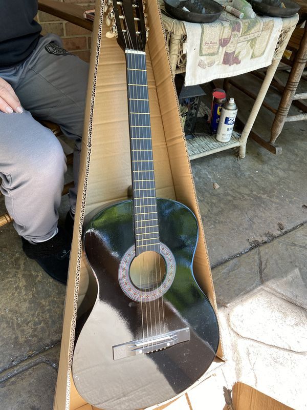 BC beginner acoustic guitar