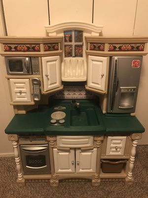 Step 2 play kitchen set w food for Sale in Fort Worth, TX
