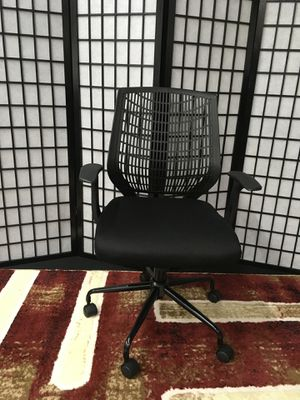 BRAND NEW BLACK ADJUSTABLE OFFICE CHAIR for Sale in Lawrenceville, GA