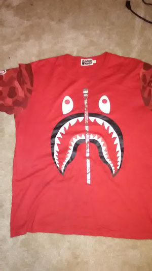 Bape t shirt large for Sale in Gaithersburg, MD