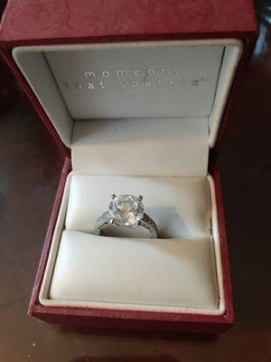 Helzberg 3 karot cube zurk stone, sterling silver band for Sale in Washington, DC