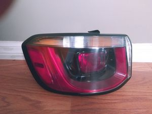 2017-2018 Jeep Compass sport Rear Tail Light LH Left driver side OEM Used for Sale in Wilmington, CA