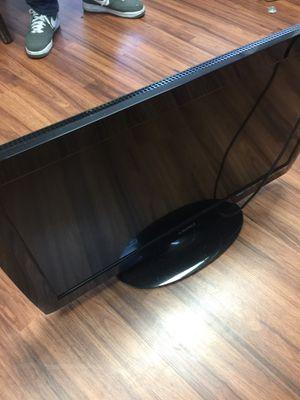 Vizio 32 inch led tv for Sale in Tampa, FL