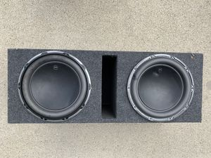 """12"""" JL Audio 12W6v2-D4 subs in a ported box. They hit hard and no holes in the speakers for Sale in Rochester, MI"""