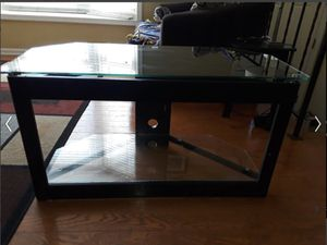 Corner Glass 2 tier TV stand for Sale in Linthicum Heights, MD