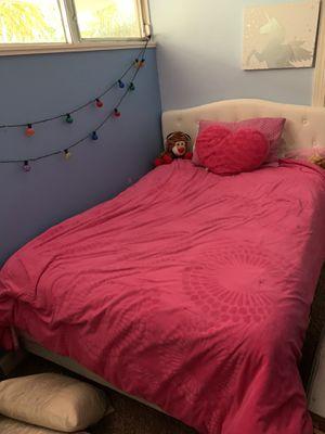 GIRLS BEDROOM FURNITURE, full size bed , dresser, table , lamp , pictures decor , lamp for Sale in Boca Raton, FL