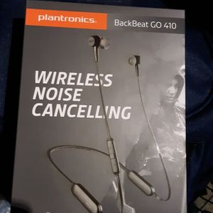 Plantronics Wireless Noise Cancelling Earbuds for Sale in Federal Way, WA