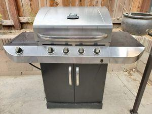 Pending pick up. Char-broil bbq grill for Sale in La Mirada, CA