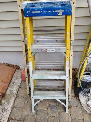Werner 4' fiberglass step ladder for Sale in Barnegat, NJ