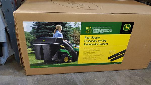 Rear bagger john deere for 100 series tractors