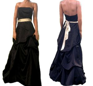 Forever Yours- Black Strapless Gathered/Pulled Skirt Ball Gown Bridal Prom Formal Dress 6 for Sale in Paris, KY