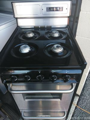 20 inch Gas stove works good 30 day warranty {contact info removed} for Sale in Fort Washington, MD