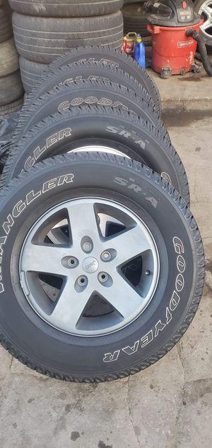 Jeep wrangler wheel for Sale in Oakbrook Terrace, IL