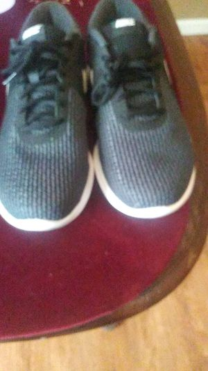 Nike mens shoe size 11 new for Sale in Shelbyville, TN