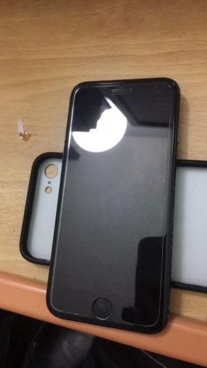 CLEAN IPHONE 7 32GB UNLOCKED for Sale in Colton, CA