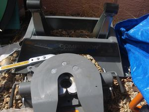 25k companion fifth wheel hitch for Sale in Las Vegas, NV