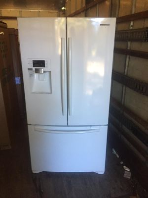 Samsung Refrigerator for Sale in Brentwood, NC