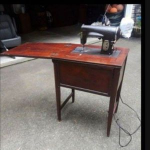 Antique sewing machine (Kenmore) 1948 for Sale in Sharpsburg, GA