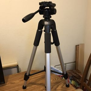 Bower Camera Tripod 72-inch Heavy Duty Tripod for DSLR and Video Cameras – NEW for Sale in Santa Ana, CA