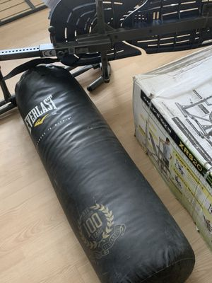 Everlast punching bag for Sale in Brockton, MA