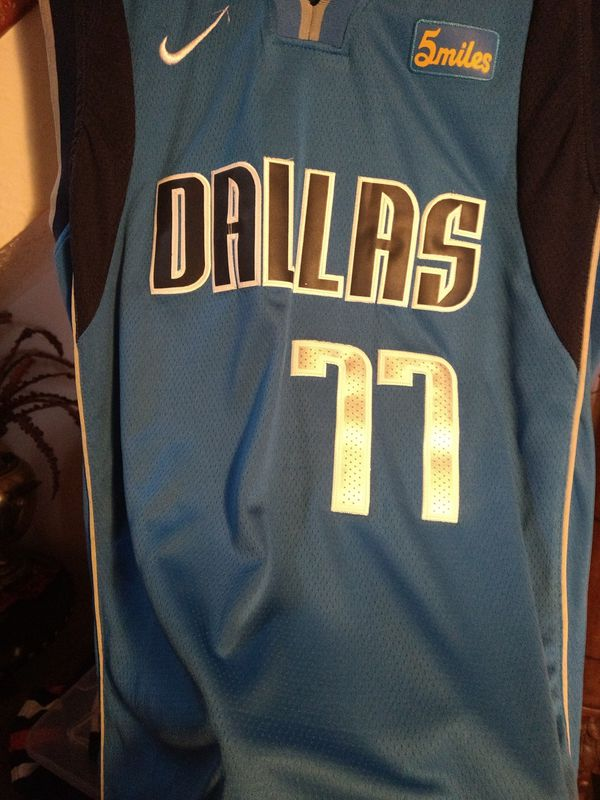 new product e975f 4ee05 Dallas Mavericks Luca Doncic Jersey for Sale in Carrollton, TX - OfferUp
