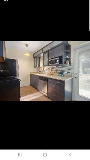 Kitchen cabinets and countertop for Sale in Fort Lauderdale, FL