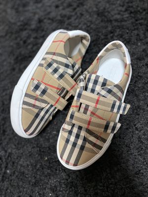 Burberry shoes for Sale in Normal, IL