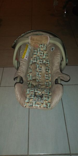 Baby car seat for Sale in Dallas, TX