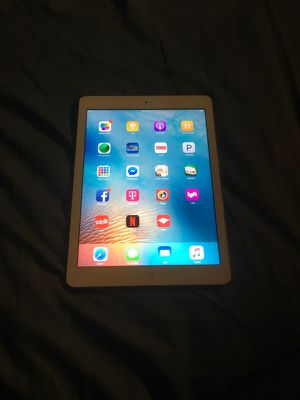 Ipad air 1st gen 32 gigs for Sale in Los Angeles, CA