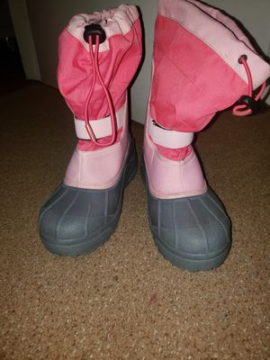 Columbia girls snow boots size 6 for Sale in Whittier, CA