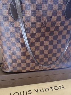 Louis Vuitton Neverfull MM for Sale in Nashville,  TN