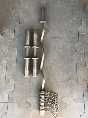 EZ Curl bar & 2- Dumbbell handle with 6 clips for $40 Firm on price for Sale in Burbank, CA