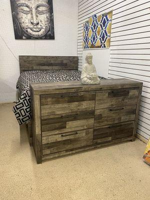 Queen bed set for Sale in Stockbridge, GA