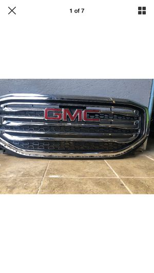 2017-2018 GMC Acadia front grill for Sale in Los Angeles, CA