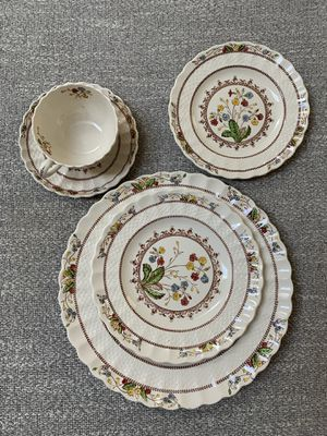 Spode's Cowslip China for Sale in Bonney Lake, WA