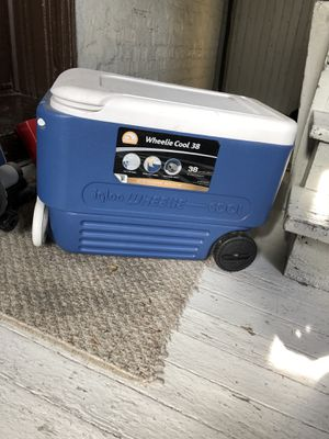 wheelie cooler. for Sale in Chicago, IL