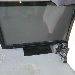42 In Panasonic Plasm TV for Sale in Zephyrhills, FL