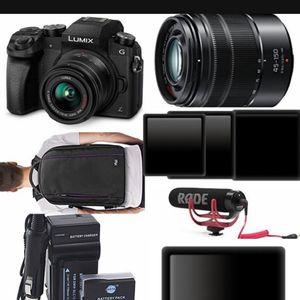 New You tuber /Video Creator Camera Set With Accessories for Sale in Silverado, CA