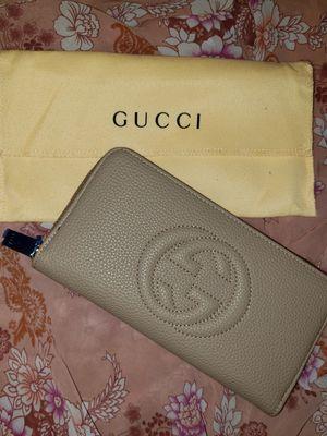 Gucci- Tan wallet for Sale in Las Vegas, NV