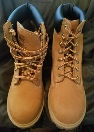 """Women's Timberland 6"""" Steel Toe WP/Insulated Work Boot A1KJ8 - Size 8.5 for Sale in Everett, WA"""