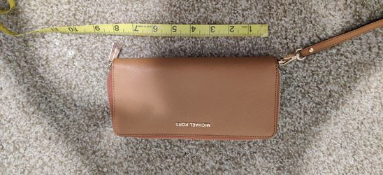 New Michael Kors Wallet for Sale in Clackamas,  OR