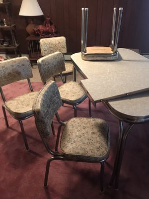 Original Retro Chrome Kitchen Table, 6 chairs, Formica ,1950's, 1960's, Deluxe Dinette, Great Condition for Sale in Berwyn Heights, MD