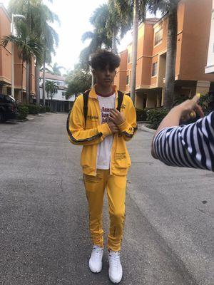 Sport costume for Sale in Aventura, FL