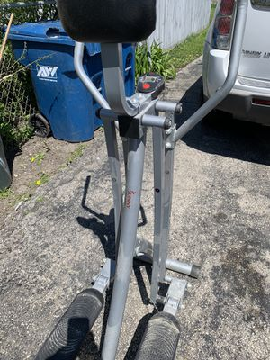 Sunny Health & Fitness air and walk trainer. for Sale in River Grove, IL