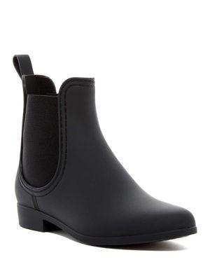 NEW Waterproof Chelsea Rain Boot - size 8 for Sale in Seattle, WA