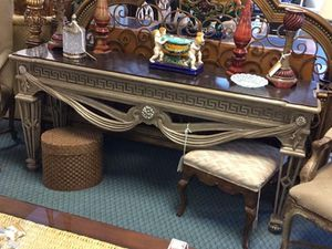 Silver & Black Faux Marble Console Greek Key Design Entry Way Console Hall Table Gorgeous *Excellent Condition *CHECK OUT MY OTHER ITEMS* for Sale in Lake Worth, FL
