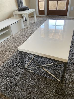 Coffee table & tv stand & side table & area rug for Sale in Scottsdale, AZ