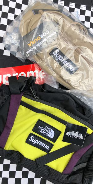DS Brand New Supreme Waist Bags for Sale in Pinecrest, FL