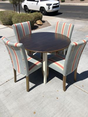 Unique 5 Piece Model Home Dining Set for Sale in Goodyear, AZ
